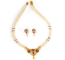 Traditional Style Short Pearl Necklace With Colourful Czs